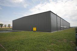 widok ogólny - hala produkcyjna z częścią biurową, dla Nome Polska, Mników, woj. małopolskie