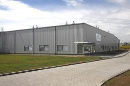 ściana frontowa i boczna - hala produkcyjna z zapleczem biurowym, dla Wiefferink, Wykroty, woj. dolnośląskie