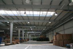 wnętrze hali - hala produkcyjno-magazynowa z budynkiem biurowym, dla Promens, Międzyrzecz, woj. lubuskie