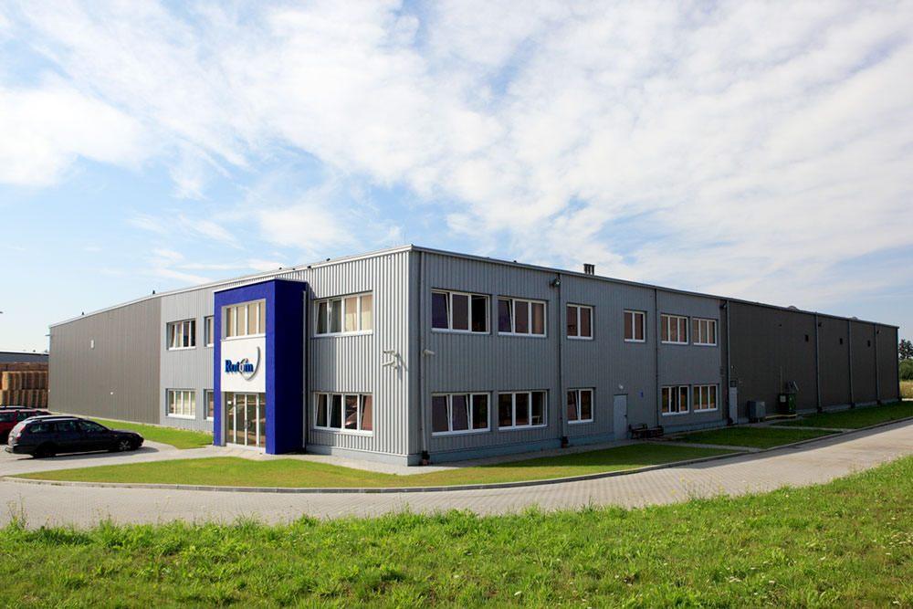 widok ogólny - hala produkcyjno-magazynowa z częścia biurową, dla Rotom, Środa Śląska, woj. dolnośląskie