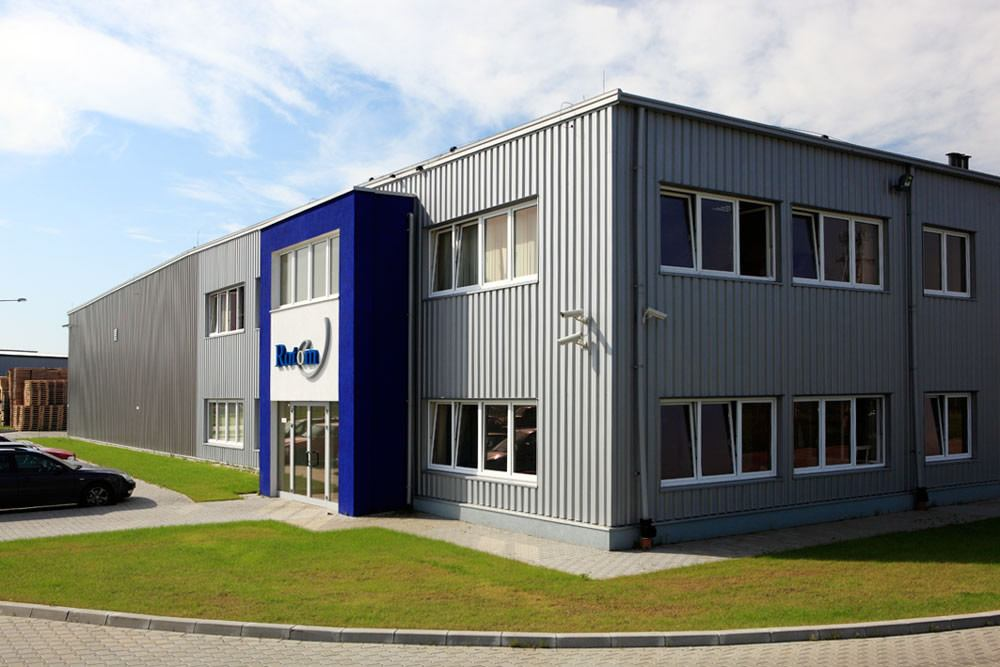 elewacja frontowa i boczna - hala produkcyjno-magazynowa z częścia biurową, dla Rotom, Środa Śląska
