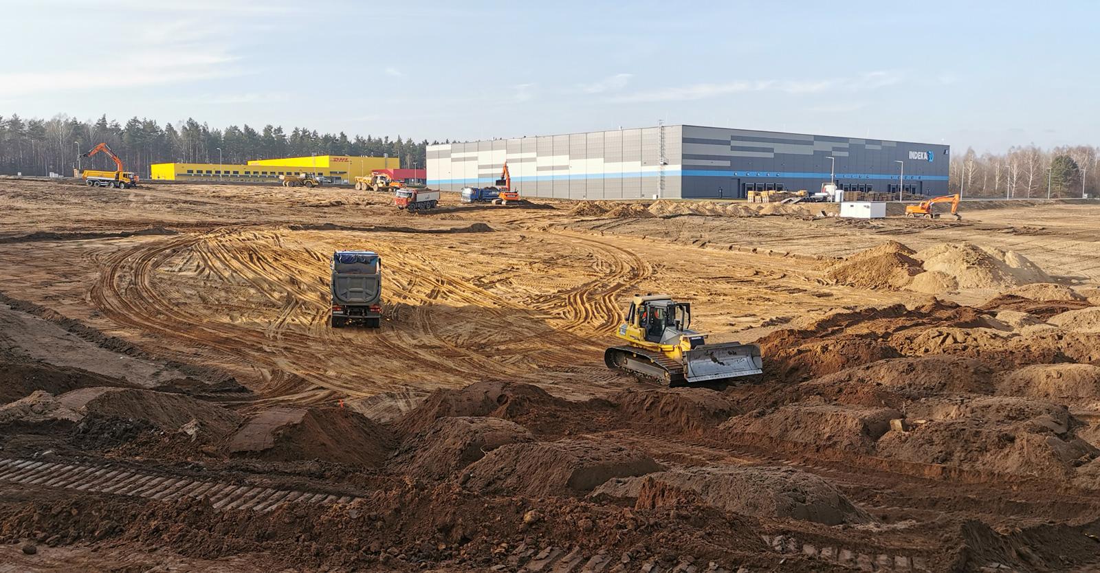 pierwszy etap prac ziemnych - budowa centrum logistycznego, dla Indeka Logistic City, etap 2, Płaszewko, woj. pomorskie