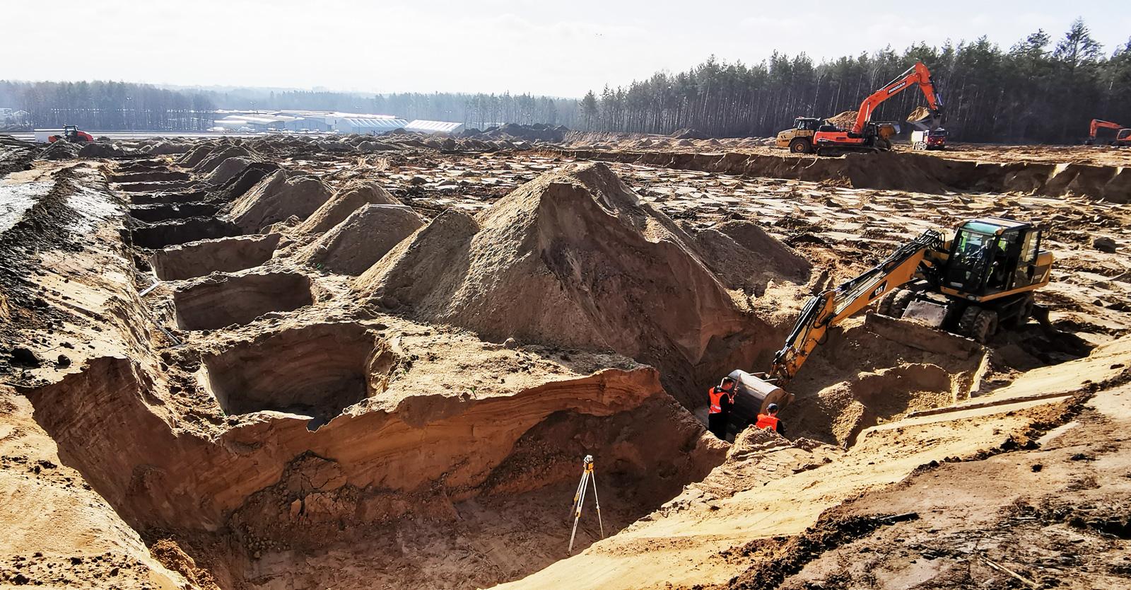 wykopy pod fundamenty hali - centrum logistyczne, Indeka Logistic City, Płaszewko, woj. pomorskie