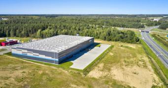 obiekt logistyczny, widok z drona - budynek magazynowo-logistyczny, dla Indeka Logistic City, woj. pomorskie, tereny strefy ekonomicznej