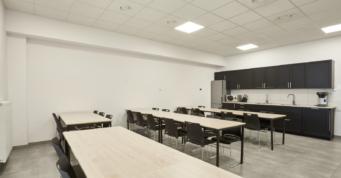 kuchnia dla pracowników zakładu - obiekt przemysłowy, o powierzchni 7.000 m2, wybudowany w systemie zaprojektuj i wybuduj, dla Kentaur, Łobez, woj. zachodniopomorskie