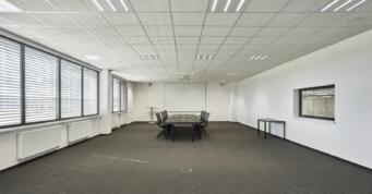 sala spotkań przy hali - inwestycja Kentaur Production, wybudowana na terenie strefy ekonomicznej, przez CoBouw Polska