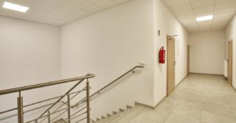 piętro części socjalno-biurowej - hala proukcyjno-magazynowa z częścią socjalno-biurową, dla Mardom Pro, Lipniki Stare, woj. mazowieckie