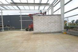 część biurowa w trakcie budowy - hala produkcyjna z częścią biurową, dla Nome, Mników, woj. małopolskie