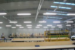 wnętrze hali 1 - hala produkcyjno-magazynowa z budynkiem biurowym, dla Norpol, Łozienica, woj. zachodniopomorskie