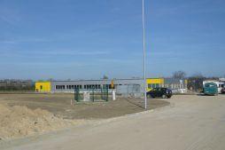 widok z oddali - hala produkcyjn z częścią biurową, dla Jan, Międzyrzecz, woj. lubuskie