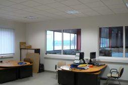 pomieszczenie biurowe 1 - hala produkcyjno-magazynowa z częścią biurową, dla Lovink, Wykroty, woj. dolnośląskie