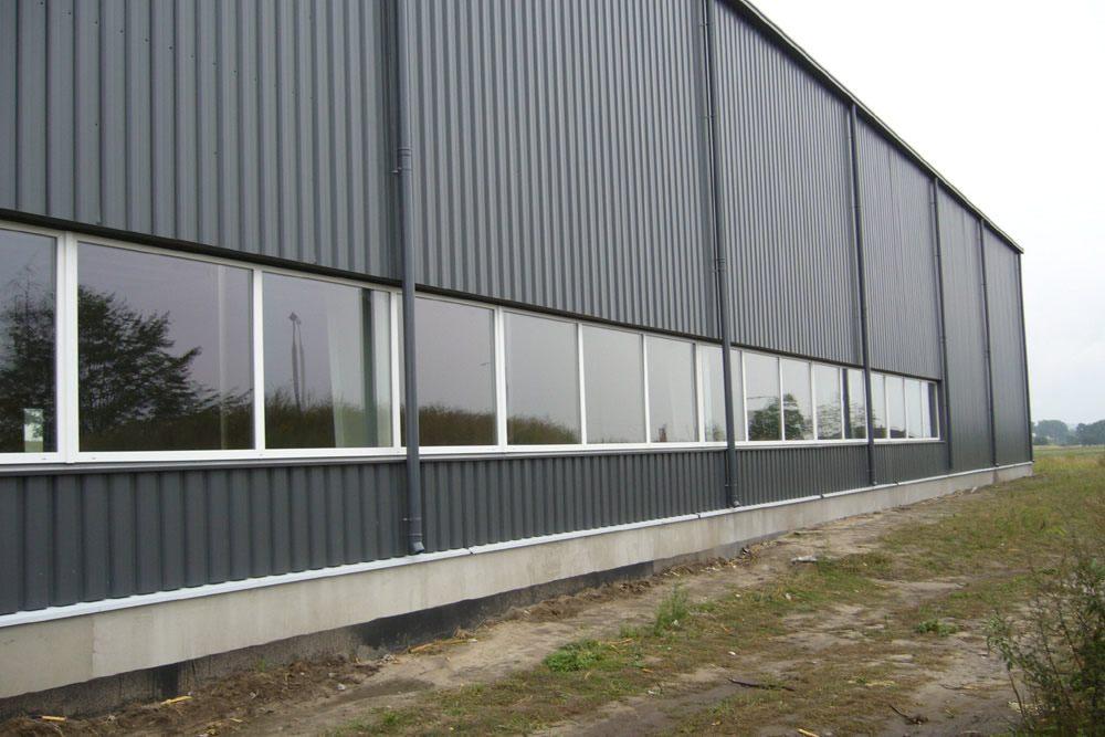 fragment elewacji - hala produkcyjna z częścią biurową, dla Nome Polska, Mników, woj. małopolskie