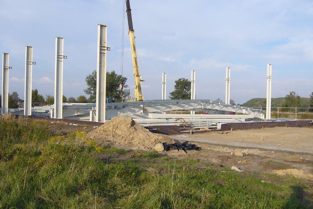 wznoszenie konstrukcji stalowej - hala produkcyjno-magazynowa, dla Odmet, Moszna-Wieś