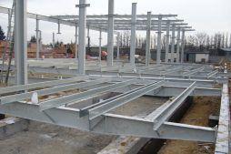 montaż konstrukcji stalowej - hala produkcyjna, dla Feber, Sieradz, woj. łódzkie