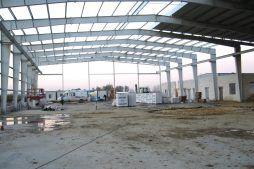 konstrukcja stalowa - hala produkcyjno-magazynowa z częścią biurową, dla Glass Produkt, Pyskowice, woj. śląskie