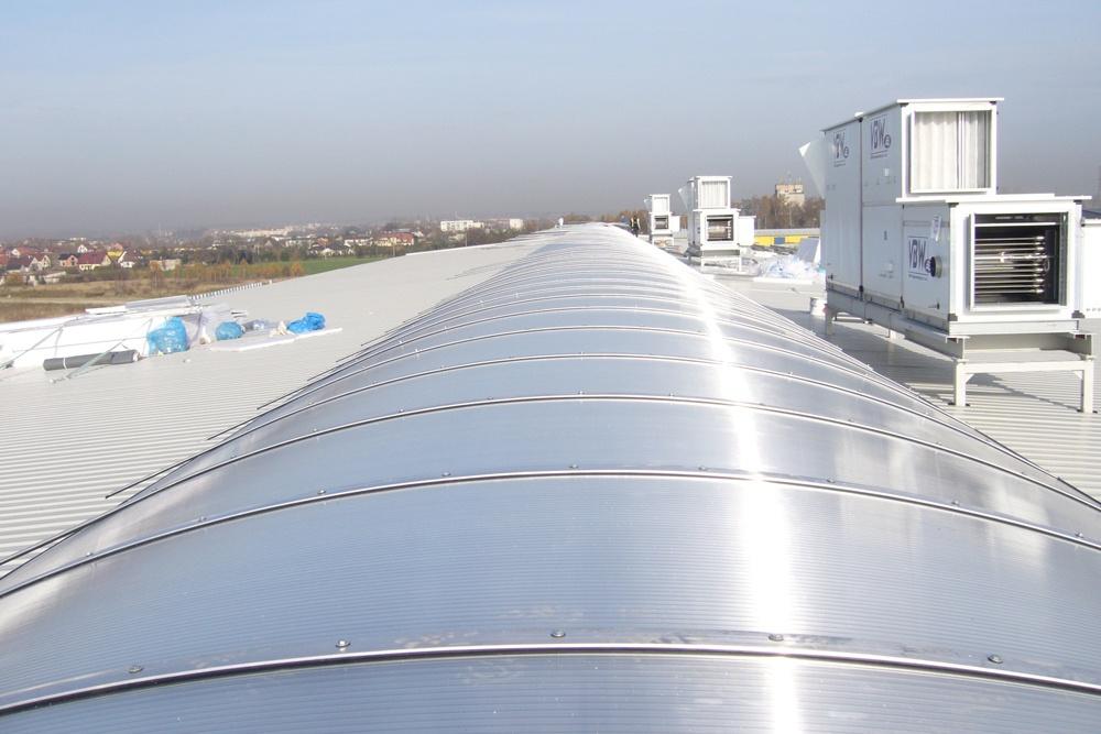 świetlik dachowy - hala produkcyjno-magazynowa z częścią biurową, dla Glass Produkt, Pyskowice, woj. śląskie