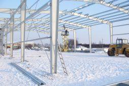 montaż elementów konstrukcji stalowej 1 - hala produkcyjno-magazynowa, dla Addit, Węgrów, woj. mazowieckie