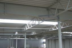 fragment konstrukcji stalowej - hala produkcyjna z częścią socjalną, dla Fadome, Złotniki, woj. opolskie