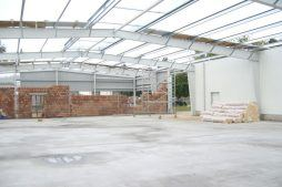wnętrze hali - hala produkcyjna z zapleczem biurowym, dla OMB Grzelak & Kolczyński, Łódź, woj. łódzkie