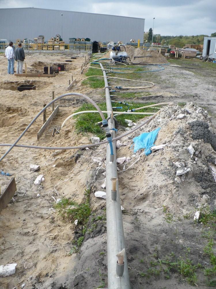 obniżanie poziomu wód gruntowych za pomocą igłofiltrów - hala produkcyjna z częścią socjalną, dla HG Poland, Łozienica