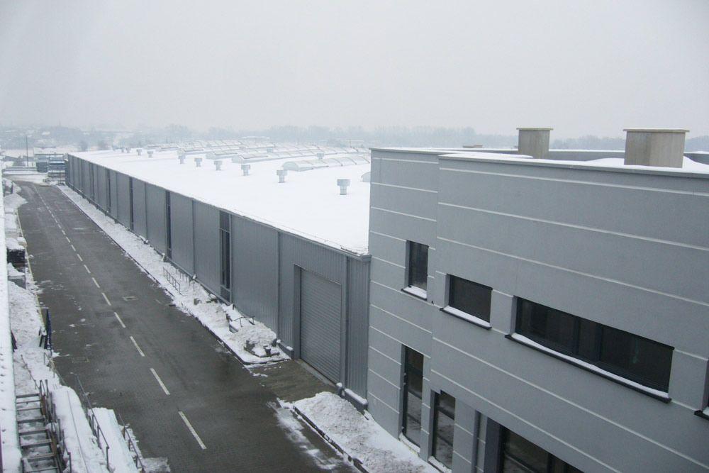 widok z góry - hala produkcyjna z budynkiem biurowym, dla Eurocolor, Pyskowice, woj. śląskie