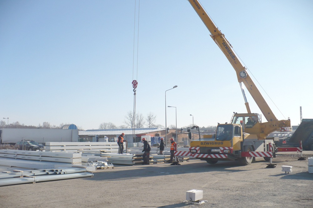 elementy konstrukcji stalowej - hala produkcyjna z częścią biurową, dla Markos, Słupsk, woj. pomorskie