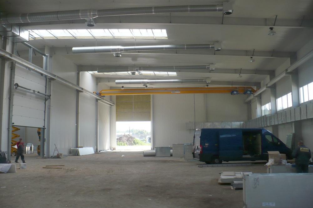 wnętrze hali 3 - hala produkcyjna z częścią biurową, dla Markos, Słupsk, woj. pomorskie