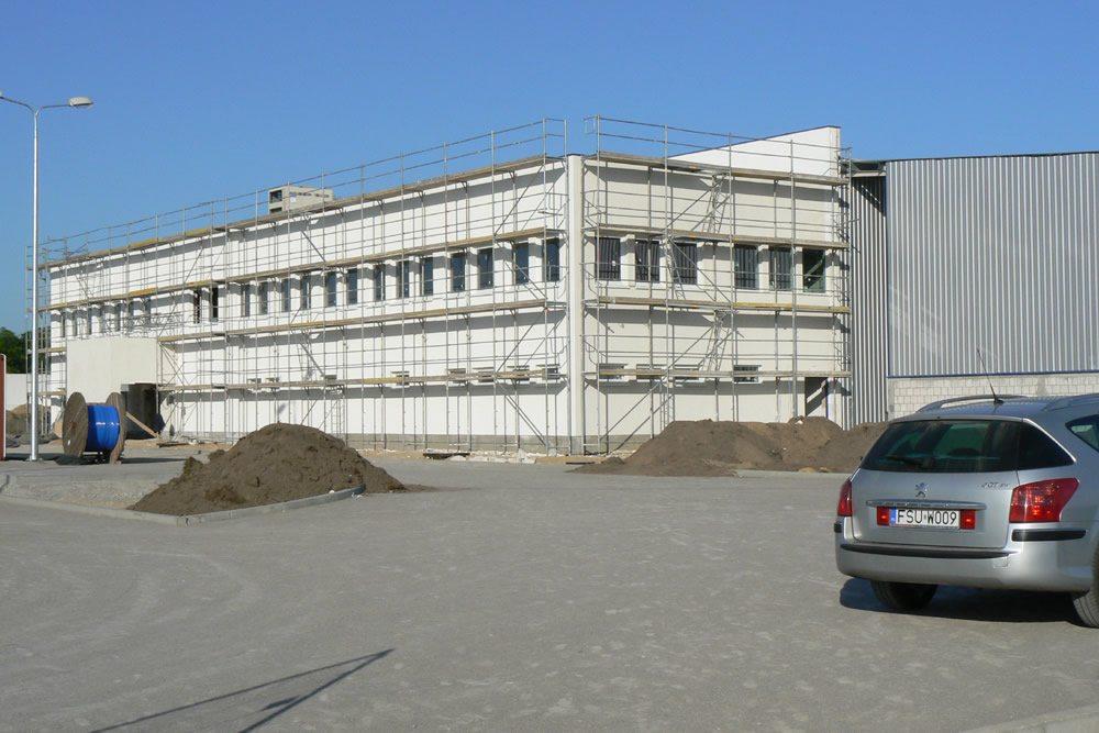 prace wykończeniowe elewacji - hala produkcyjna z budynkiem biurowym, dla Algontec, Kostrzyn nad Odrą