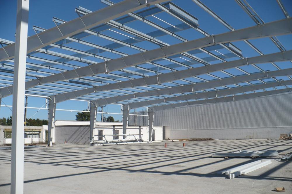 konstrukcja stalowa od wewnątrz - hala produkcyjna z częścią biurową, dla Leann Stańczyk, Słupsk, woj. pomorskie