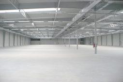 wnętrze hali 6 - hala produkcyjna z budynkiem biurowym, dla Meblomaster, Węgrów, woj. mazowieckie