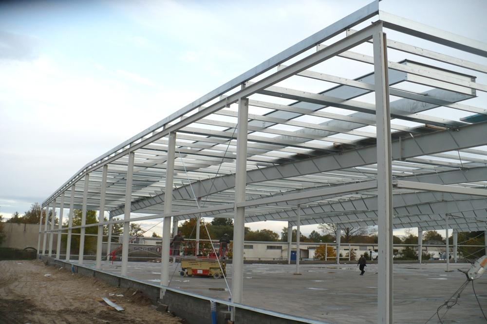 konstrukcja stalowa - hala produkcyjna z budynkiem biurowym, dla Auto-Hak, Słupsk, woj. pomorskie