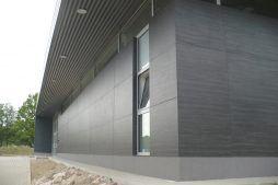 okna aluminiowe - budynek socjalno-budowlany, firma Van Den Block, Lublew Gdański