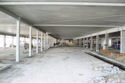 prace wewnątrz hali - hala handlowa, dla EACC Investments, Wólka Kosowska, woj. mazowieckie