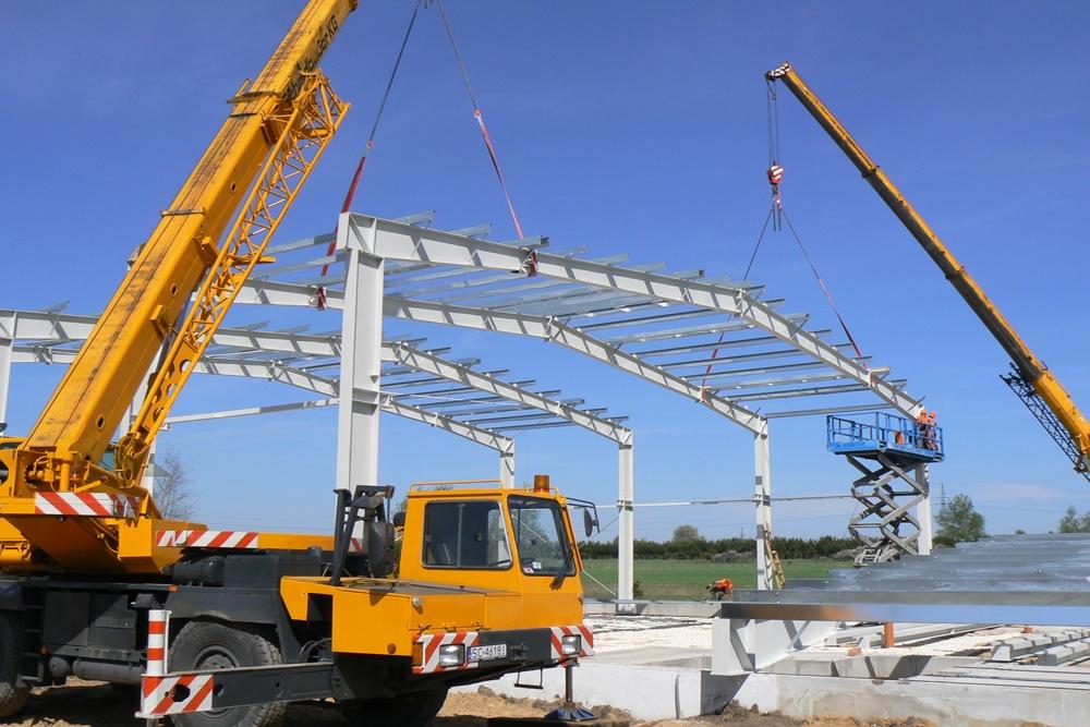 stawianie konstrukcji stalowej - hala produkcyjna, dla Ferrum-Profil System, Częstochowa