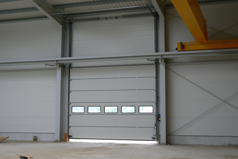 brama wjazdowa 1 - hala produkcyjna, dla Ferrum-Profil System, Częstochowa, woj. śląskie