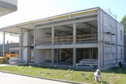budynek biurowy w trakcie budowy - hala produkcyjno-magazynowa z budynkiem biurowym, dla Viva Plus, Bytom
