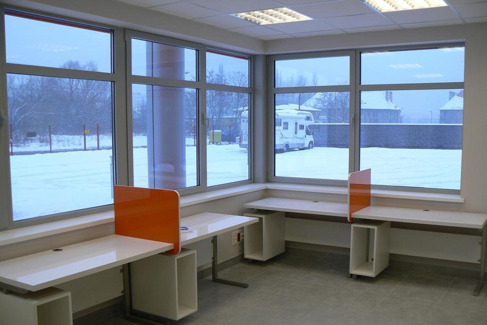 pomieszczenie biurowe - hala produkcyjno-magazynowa z budynkiem biurowym, dla Viva Plus, Bytom, woj. śląskie
