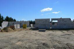 wznoszenie ścian budynku biurowego - hala magazynowa z budynkiem biurowym, dla Tech-Met, Kolonia Sokolniki