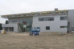 montaż paneli elewacyjnych - hala magazynowa z budynkiem biurowym, dla Tech-Met, Kolonia Sokolniki