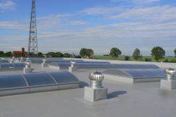 świetliki dachowe 2 - hala magazynowa z budynkiem biurowym, dla Agrarada, Domaniów, woj. dolnośląskie
