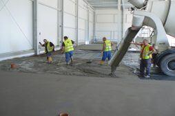 wylewka betonowa 1 - hala magazynowa z budynkiem biurowym, dla Agrarada, Domaniów, woj. dolnośląskie