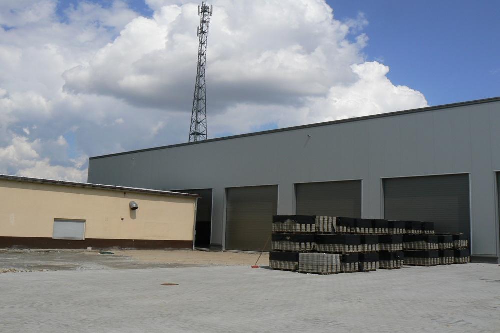 bramy wjazdowe 3 - hala magazynowa z budynkiem biurowym, dla Agrarada, Domaniów, woj. dolnośląskie