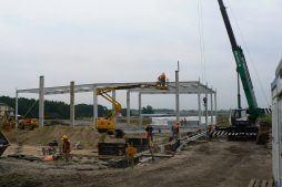 montaż konstrukcji dachu - hala produkcyjna z częścią biurową, dla Protech, woj. śląskie