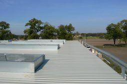 świetliki dachowe - hala produkcyjna z częścią biurową, dla Protech, woj. śląskie