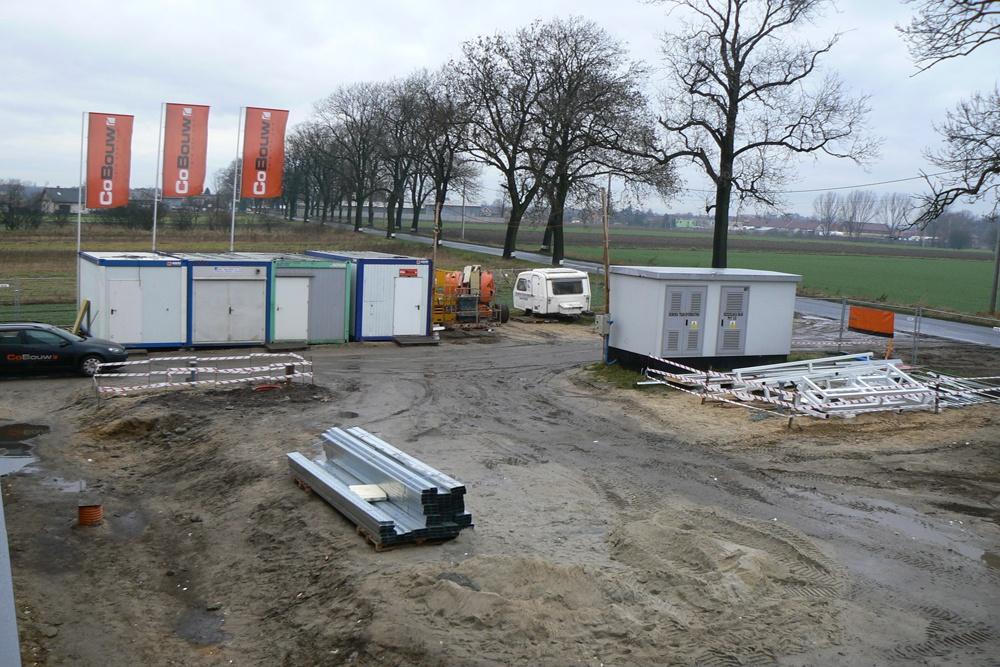teren wokół hali w trakcie budowy - hala produkcyjna z częścią biurową, dla Protech, woj. śląskie