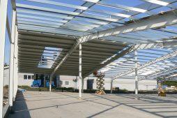 konstrukcja stalowa - hala produkcyjna z częścią socjalno-biurową, dla Medos, Chełmno, woj. kujawsko-pomorskie