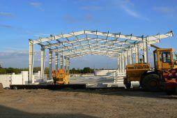 konstrukcja blachownicowa - hala produkcyjna z częścią socjalno-biurową, dla Medos, Chełmno, woj. kujawsko-pomorskie