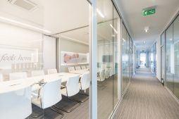 sala konferencyjna 3 - hala magazynowa z budynkiem biurowym, dla Sun Garden Poland, Malanów
