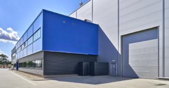 kolorystyka elewacji budynku socjalno-biurowego - hala przemysłowa, dla Sirmax Polska, Kutno, woj. łódzkie