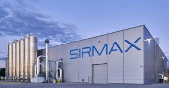 hala produkcyjno-magazynowa z silosami technologicznymi - zakład produkcji tworzyw sztucznych, dla Sirmax Polska, Kutno, woj. łódzkie